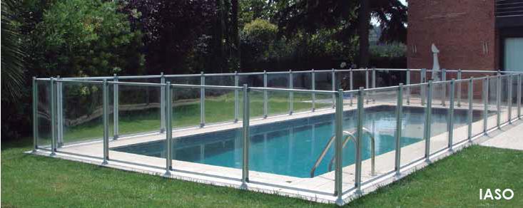 La piscina tiene un problema mi hijo seguridad piscina - Vallas de cristal ...