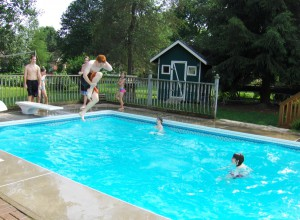 swimming_pool_summer_1153579_h